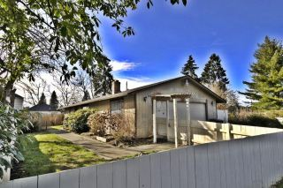 8617 17th Ave SW Seattle, WA 98106