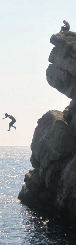 Cliff jumping by Flickr user ccheviron