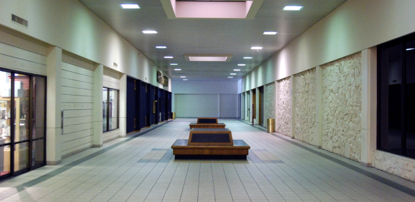 Totem Lake Mall by Flickr user Seven_Null7